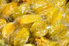 在wraping的Starfruit 图库摄影