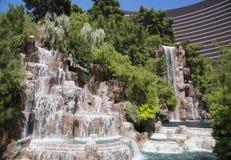 在Wynn旅馆和赌博娱乐场的瀑布在拉斯维加斯 库存照片