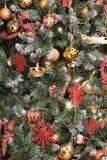 在xmas结构树的圣诞节装饰 免版税图库摄影