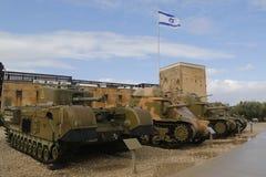 在Yad LaShiryon装甲的军团博物馆的英国重的步兵坦克丘吉尔Latrun的 库存照片