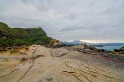 在Yehliu geopark,台湾的岩层 免版税库存照片