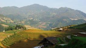 在YENBAI省,越南MUCANGCHAI区采取的全景  要创造大阳台喜欢此,农夫必须非常努力工作 库存图片