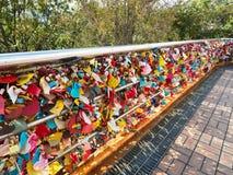 在Yongdusan公园的爱钥匙仪式在釜山,韩国 库存图片