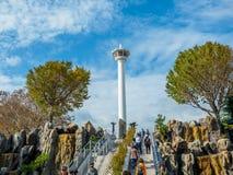 在Yongdusan公园的釜山塔 免版税库存图片