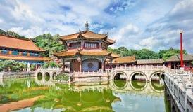 在Yuantong佛教寺庙,昆明,云南,瓷的宁静 图库摄影