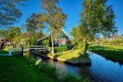 在Zaanse种田房子Schans,荷兰博物馆村庄  图库摄影