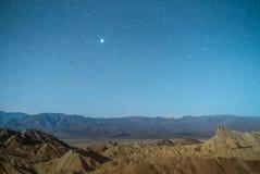 在Zabriskie点的夜风景在死亡谷国家公园 免版税图库摄影