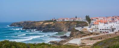 在Zambujeira附近的全景沿海看法毁损,肋前缘Vicentina,葡萄牙 图库摄影