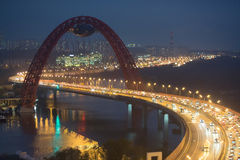 在Zhivopisny桥梁的夜视图 图库摄影