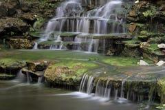 在Zilker植物园的瀑布 免版税库存照片
