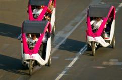 在Zocalo的周期出租汽车在墨西哥城 免版税库存图片