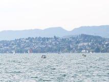 在Zurich湖的小船 免版税库存照片