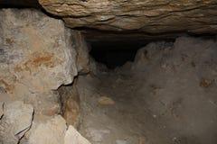 地下人工地创造为提取石和天生被创造的照片,猎物 库存照片
