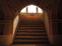 地下室台阶和能承受的建筑学风塔 图库摄影