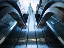 地下室自动扶梯 免版税库存照片