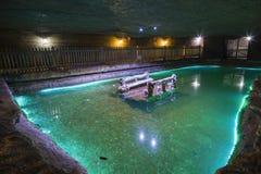 地下湖在盐矿 免版税库存照片