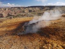 地下灼烧的采煤山的smokey 免版税库存图片