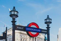 地下签到伦敦市中心在卡迪里马戏 库存照片