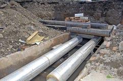 地下管道管子的替换 库存照片