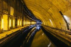 地下苏联冷战地堡 地下水下修理的工厂在Balaklava,克里米亚 库存图片