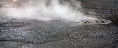 从地下街道的蒸气 库存图片