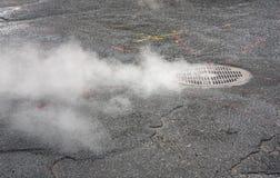 从地下街道的蒸气 图库摄影