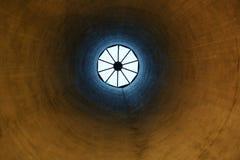 地下过道天窗在那不勒斯 免版税库存照片