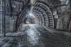 地下隧道在矿 免版税库存照片