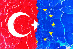 织地不很细土耳其和欧盟旗子背景 库存图片