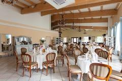 地中海内部-豪华餐馆 库存图片