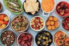 地中海冷的自助餐食物 图库摄影
