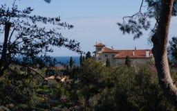 地中海别墅的庭院,法国 免版税图库摄影