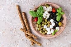 地中海开胃菜板材 免版税图库摄影