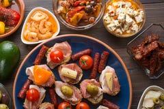 地中海快餐-塔帕纤维布顶视图  库存照片