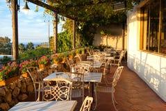 地中海欧洲风格的咖啡馆小餐馆 库存照片