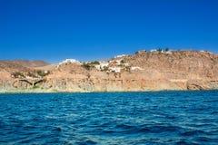 地中海沿海海视图在晴朗的夏日 免版税库存图片