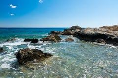 地中海海岸在罗得岛的一好日子 免版税库存照片