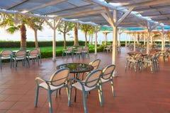 地中海海岸的夏天餐馆在美好的日落 Tekirova凯梅尔 库存照片