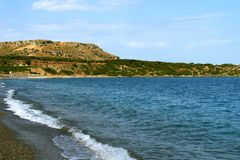 地中海海岸的沿海线在希腊 免版税库存图片