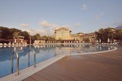 地中海海岸的豪华旅馆  库存图片