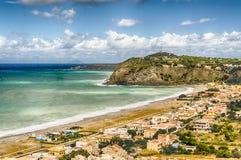 地中海海滩在米拉佐,西西里岛 免版税库存照片