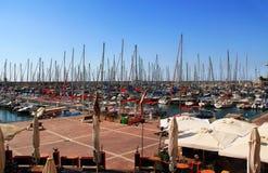 地中海的小船港口在赫兹里亚以色列 库存照片