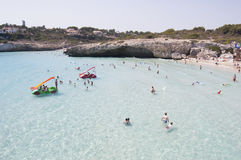 地中海的海滩 免版税库存图片