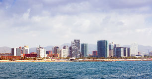 从地中海的巴塞罗那在夏天 免版税库存照片