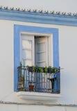 地中海蓝色阳台 库存图片
