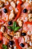 地中海薄饼斑鳟属橄榄比萨店菜单 免版税库存照片
