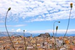 地中海镇的鸟瞰图 库存照片