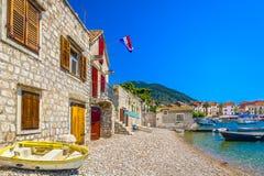 地中海风景在Komiza镇,克罗地亚 库存照片