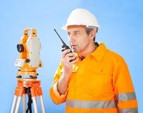 地产高级测量员经纬仪 库存照片
