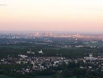 地区财务法兰克福地平线摩天大楼 库存照片